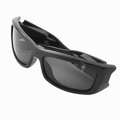 529419d0d5a916 lunette camera photo,une paire de lunettes de soleil avec camera integree,lunette  camera oakley